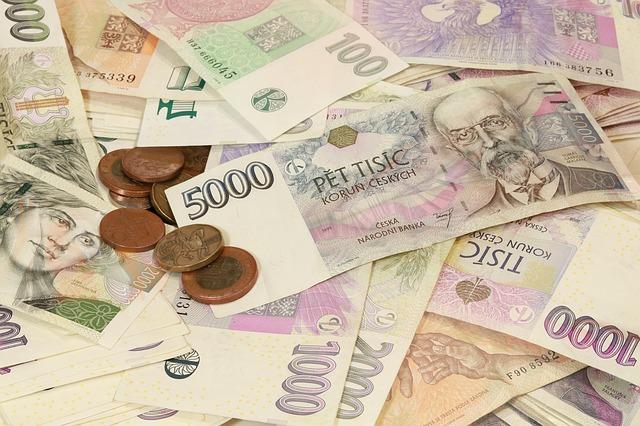 rozsypané české peníze