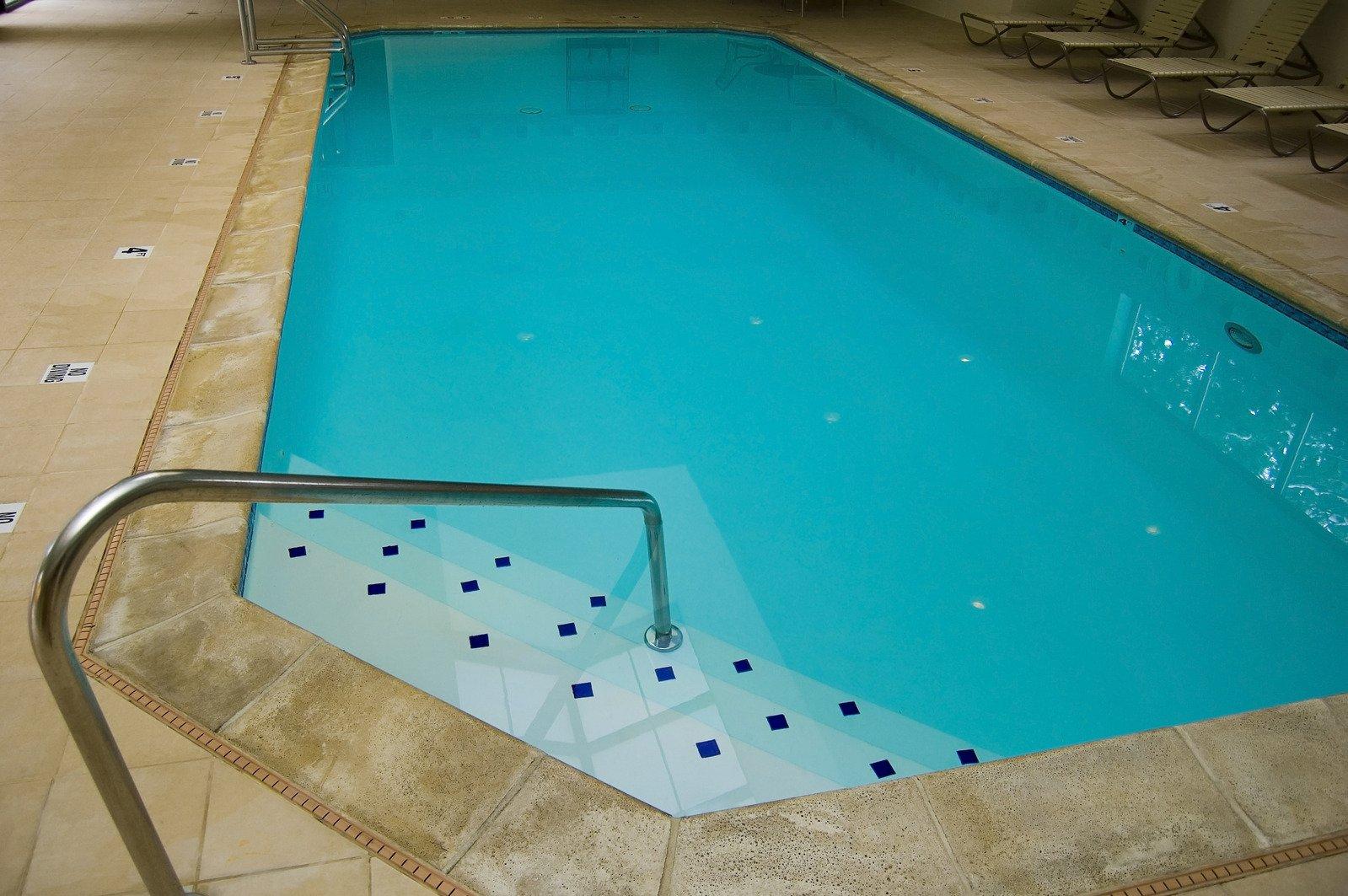 schody bazén